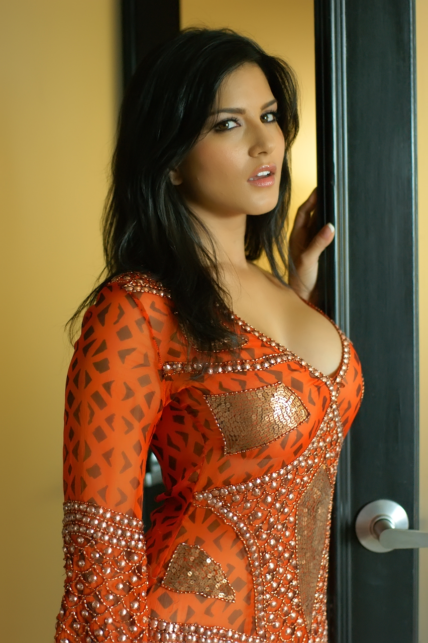 American Dirty Film Star Sunny Leone Realty Show Big Boss ...
