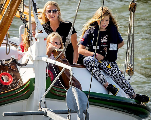 King Willem-Alexander and Queen Maxima and their three daughters Princess Amalia, Princess Alexia, Princess Ariane and Princess Beatrix, Princess Mabel, Countess Luana and Countess Zaria
