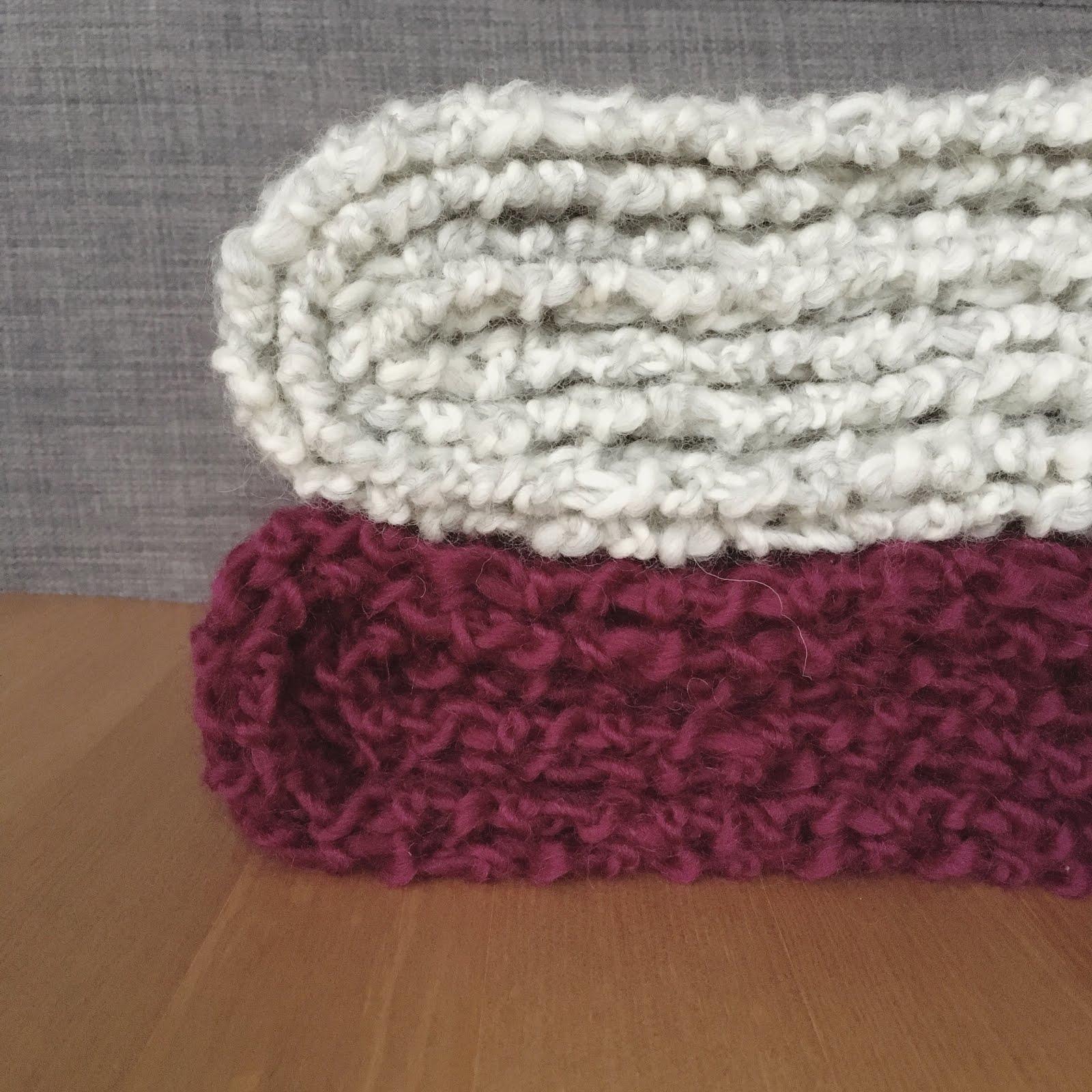 Oliphant Kat: Seed stitch scarf set