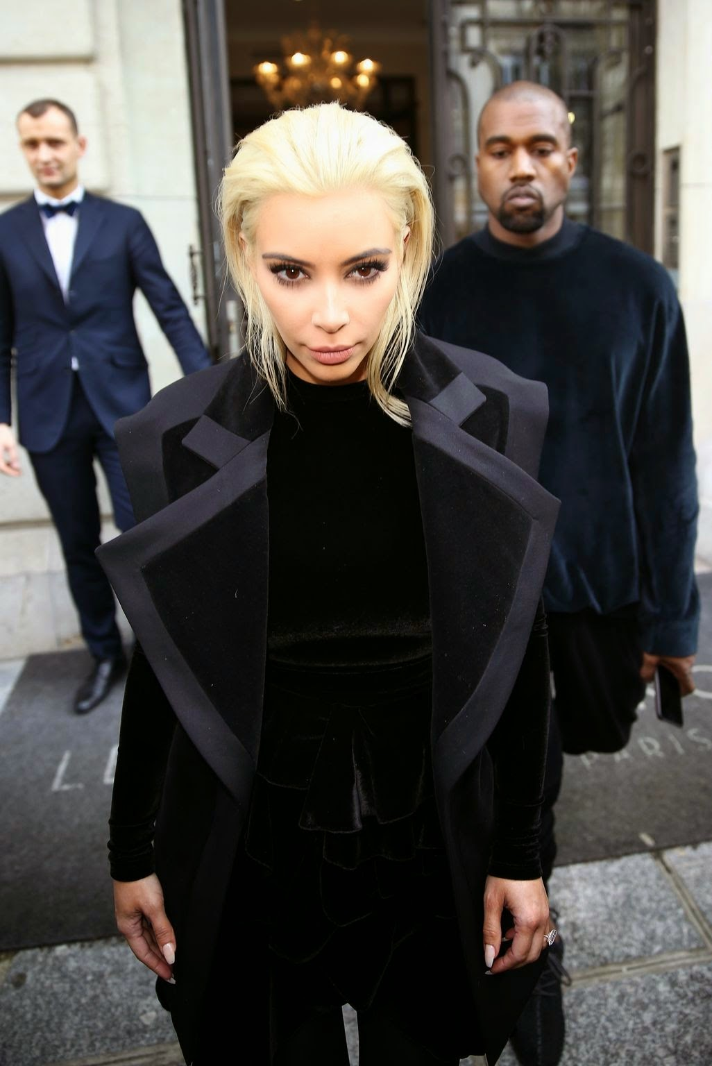 Socialite, Model, Reality TV @ Kim Kardashian Shows Off Her New Blonde Hairdo Out In Paris