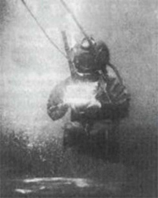 η πρώτη υποβρύχια φωτογραφία που λήφθηκε στη διάρκεια των γυρισμάτων