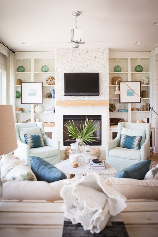 Coastal style hamptons style shades of blue for Hampton style interior decorating ideas