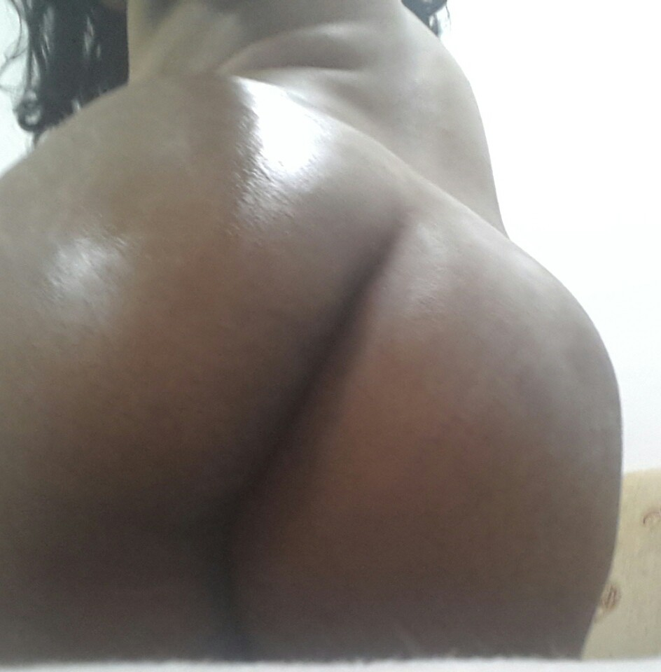 Sonia Hot Indian Ass Oiled Up Big