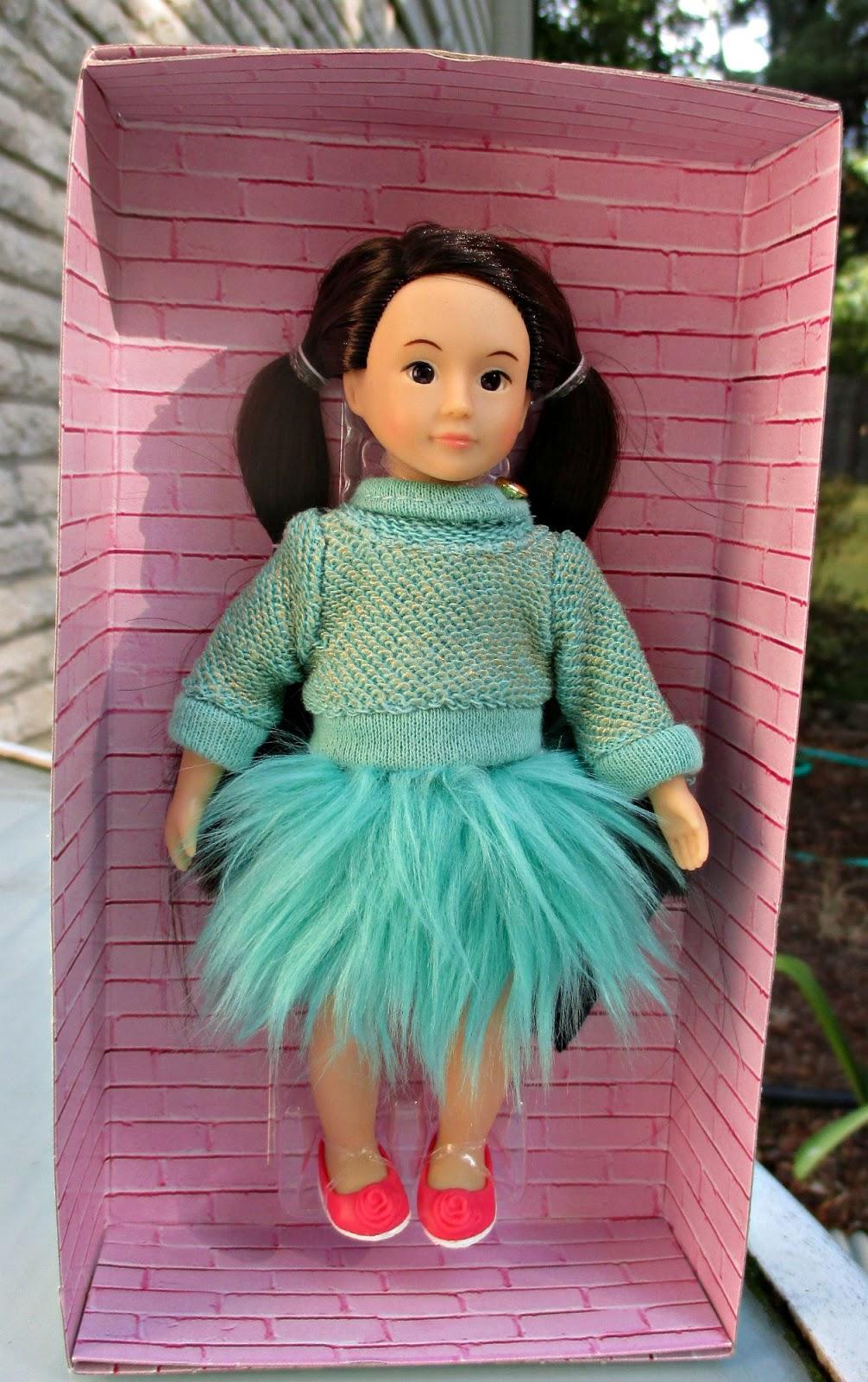 Dreaming of Dolls: Mini Lori dolls