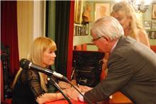 Presentación del libro Trayectos en la  Asociación de Escritores y Artistas Españoles.