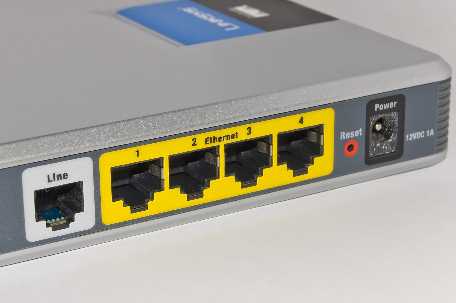 ethernetswitchingmodes Lan mode is used for connecting a wired computer's ethernet port (or a switch connected to several computers) into to the cradlepoint mbr1400 or mbr1200b wan mode: wan mode is used for connecting a wired wan source (dsl, cable, satellite, etc) to provide an internet connection to the cradlepoint mbr1400 or mbr1200b.