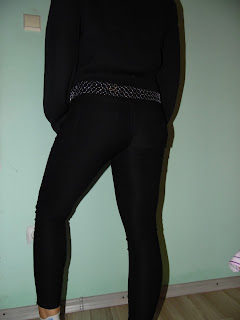 www.shein.com/High-Waist-Slim-Denim-Black-Pant-p-234702-cat-1740.html?aff_id=2525