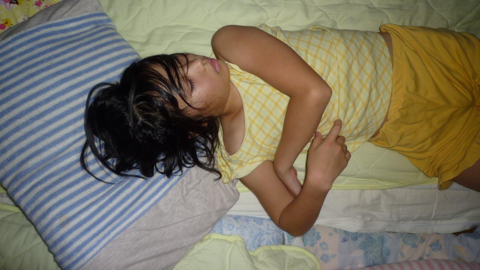 抜ける小学生 宝塚市立病院に駆け込んだ日に、余命1年と言われたんよな。目の前が真っ暗になって、お父さんは、ベッドに寝かされてしまった。