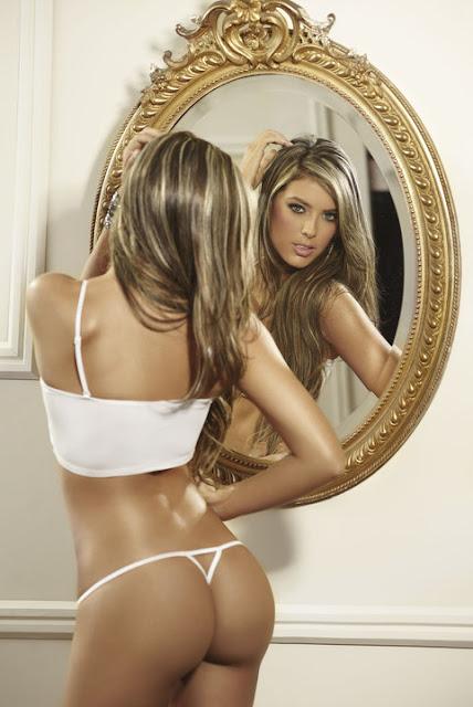 Фото голая модель сандра орлова