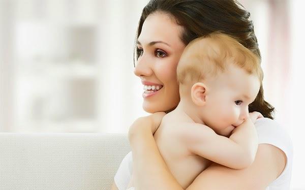 فوائد الرضاعة الطبيعية للام
