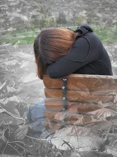 στεναχωρημένη γυναίκα
