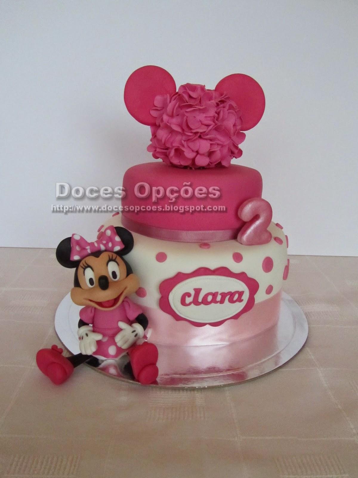 Bolo como a Minnie para o 2º aniversário da Clara
