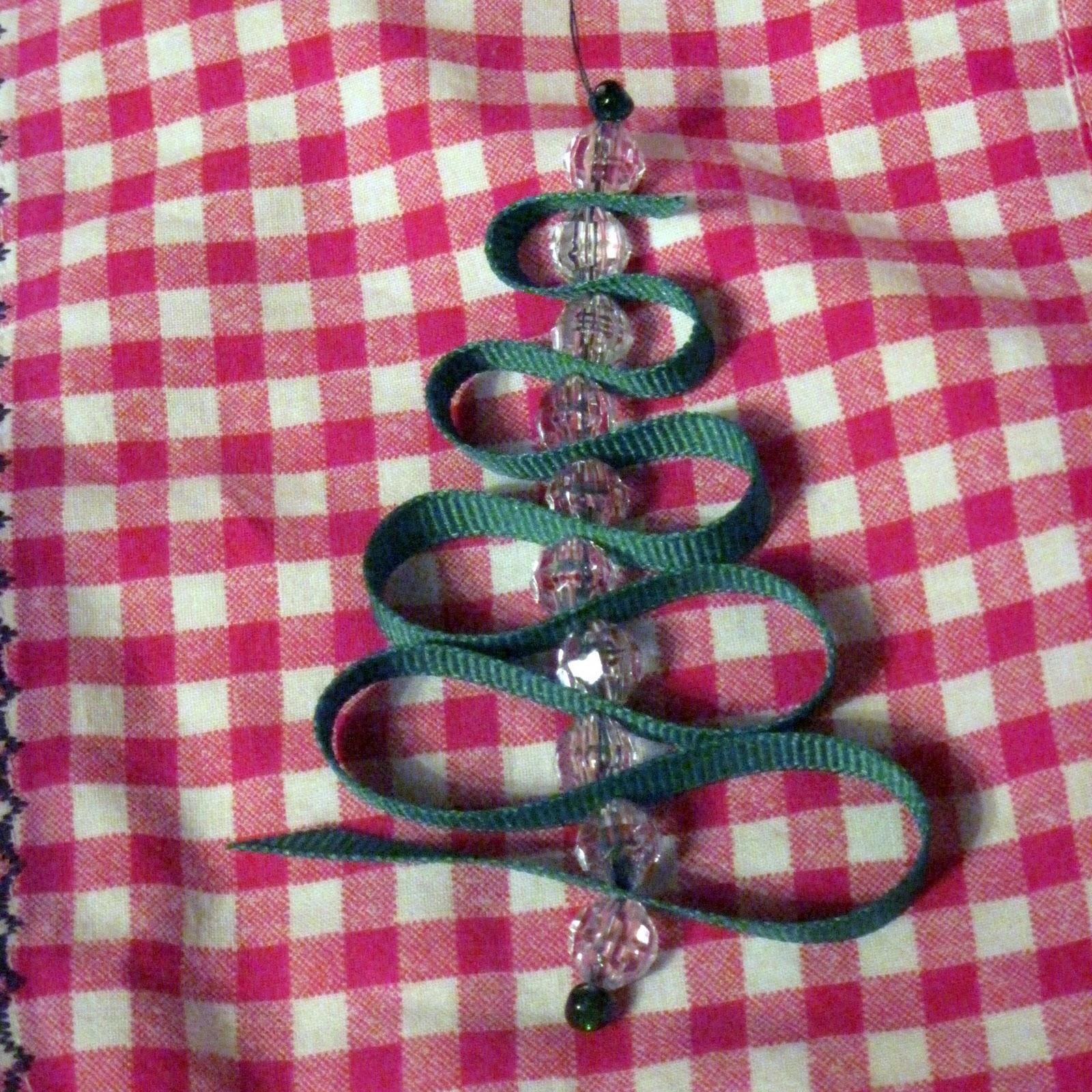 Xmas Tree Decorations With Ribbons: Under The Big Oak Tree: Handmade Christmas: Ribbon Tree