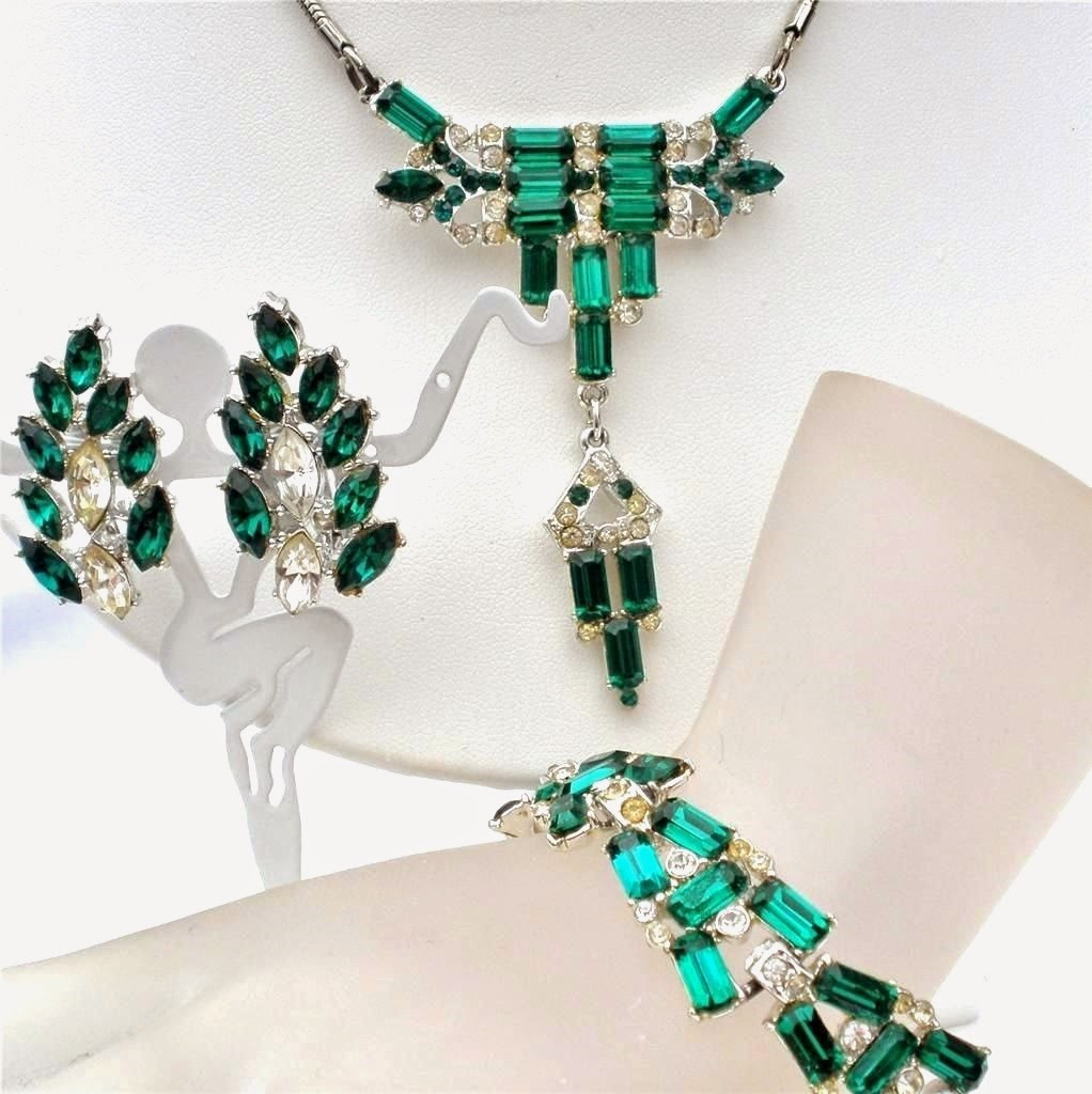 The jewelry lady 39 s store art deco emerald green necklace for Art deco costume jewelry