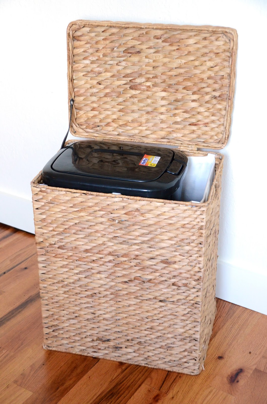 iron twine dog food storage. Black Bedroom Furniture Sets. Home Design Ideas