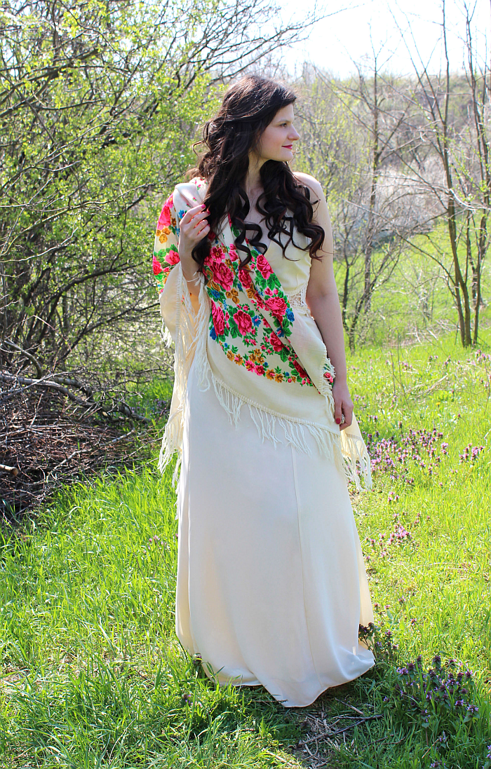what to wear for spring, maxi dress with ethnic scarf, curls for long hair, bohemian outfits, how to wear long dresses