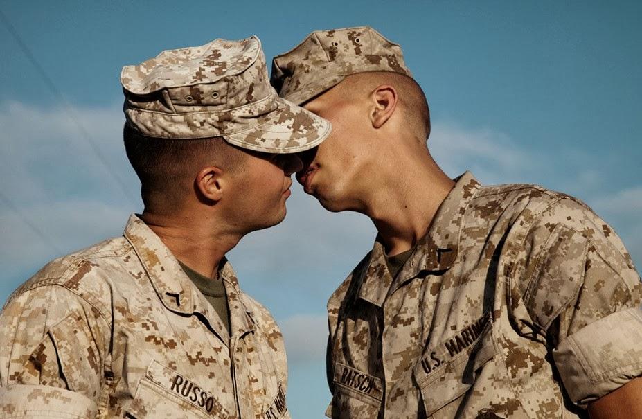 Спящий gay military 18 фотография