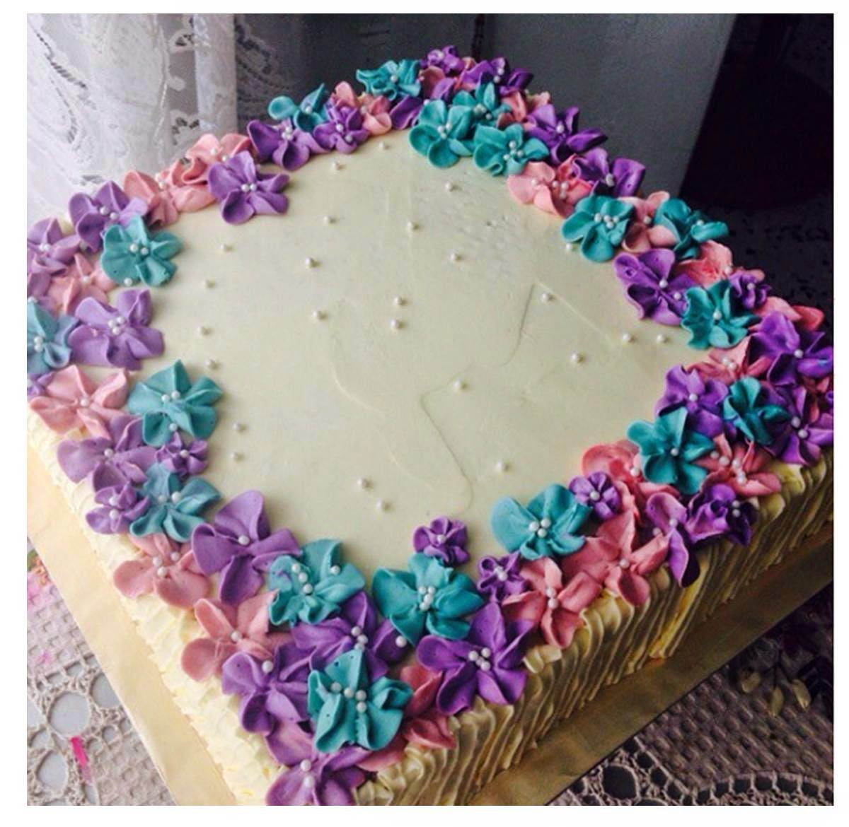Images Of Square Shape Cake : Cookiss: Kek Buttercream (Devilfood Chocolate Cake)