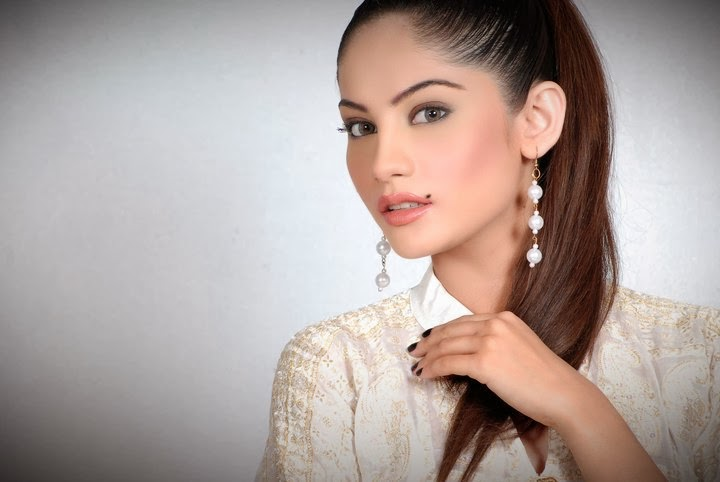 Neelam muneer HD Wallpapers Free Download