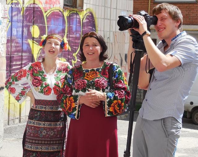 Співали обрядові пісні на українському весіллі