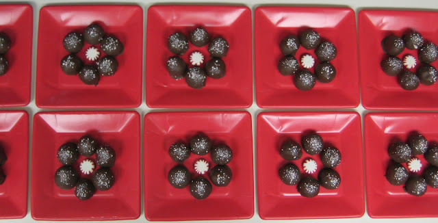 Christmas Peppermint Frost Cake Balls - Plated Cake Balls 4 - Overhead View