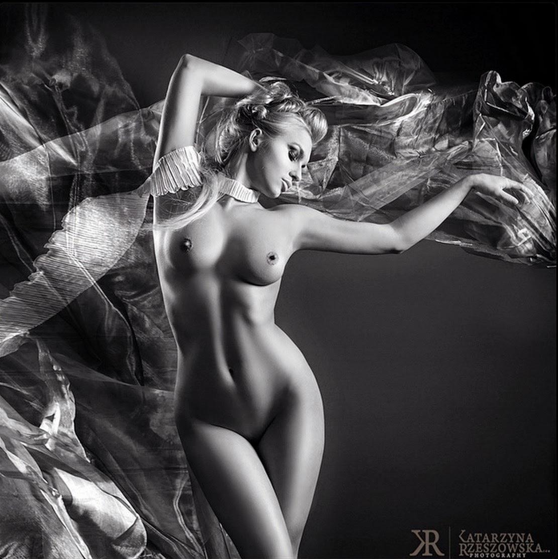 fotos-artísticas-de-mujeres-en-blanco-y-negro