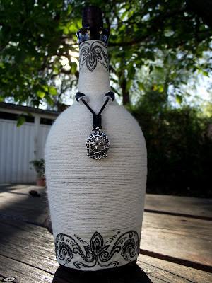 Haciendo manualidades botella decorada - Botellas decoradas manualidades ...