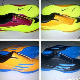 Sepatu futsal nike hypervenom & adidas