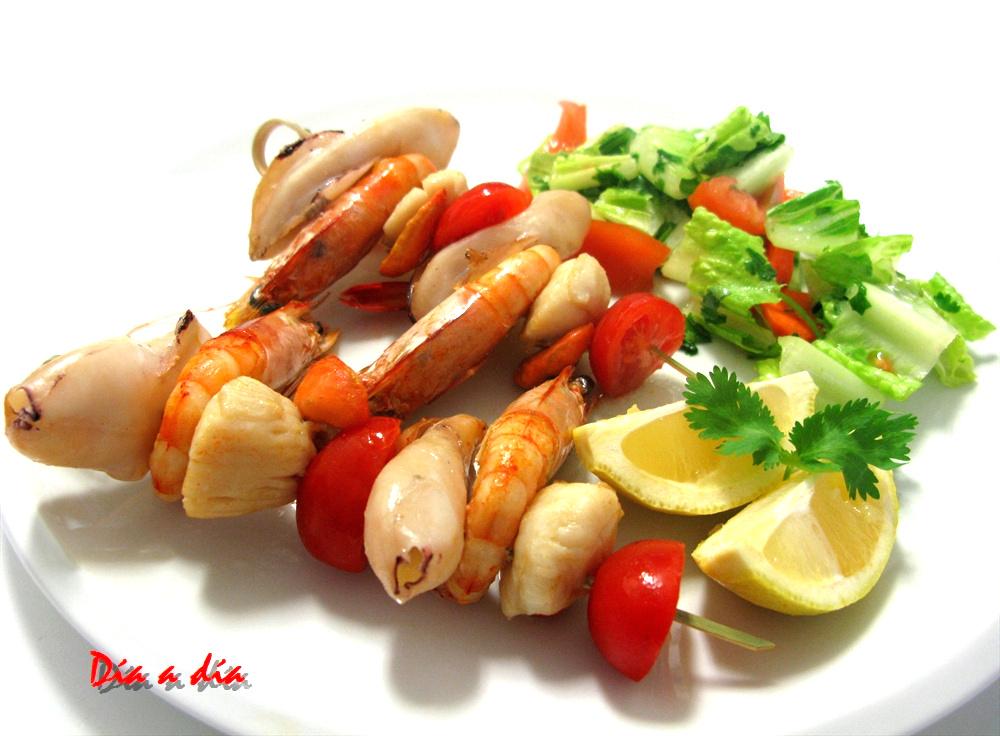 D a a d a brocheta de calamares langostinos y vieiras for Cocinar vieiras