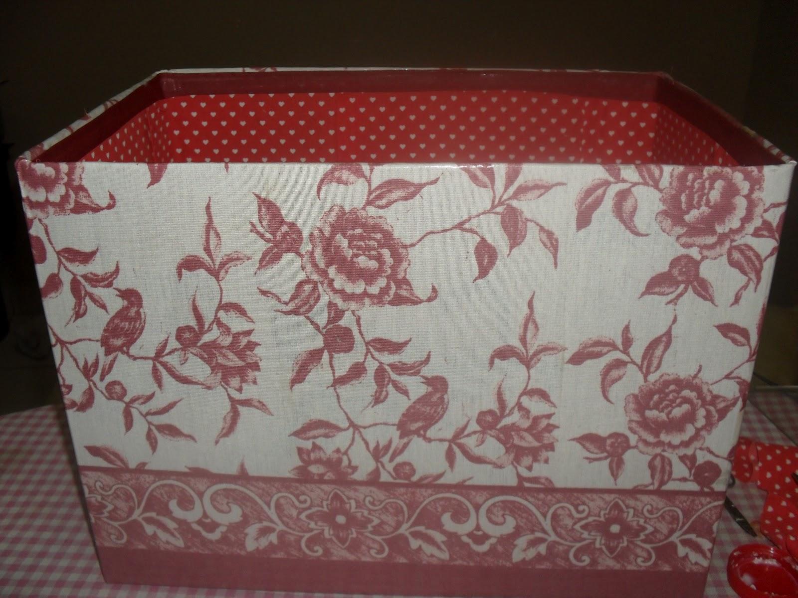 Artesanato: Caixa papelão reciclada forrada com tecido e contact #261811 1600x1200