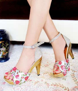 Sepatu Wanita Modelis, Heels Bunga Merah, Harga Rp.70.000, Kode SS11