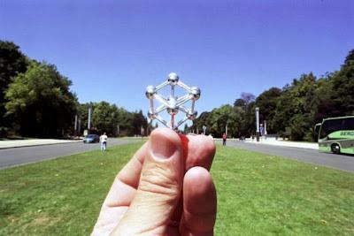 Foto Ilusi Bola , foto ilusi, kumpulan foto ilusi