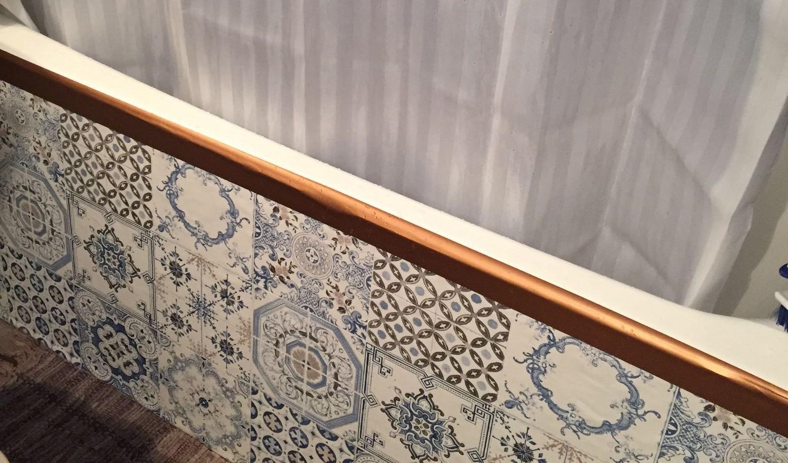 Trop chic pas cher diy deco d fi 4 des carreaux en ciment dans ma salle - Tablier salle de bain ...