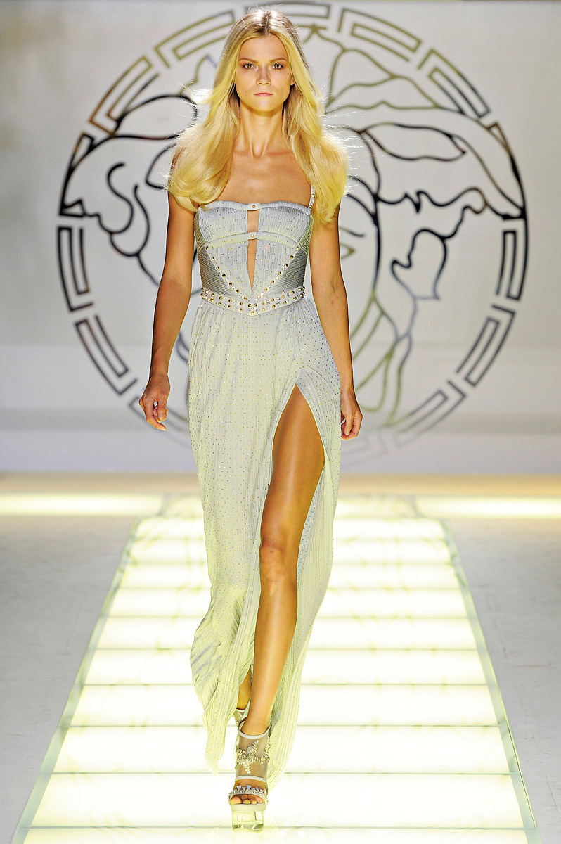 Passion For Luxury : Versace Spring-Summer 2012