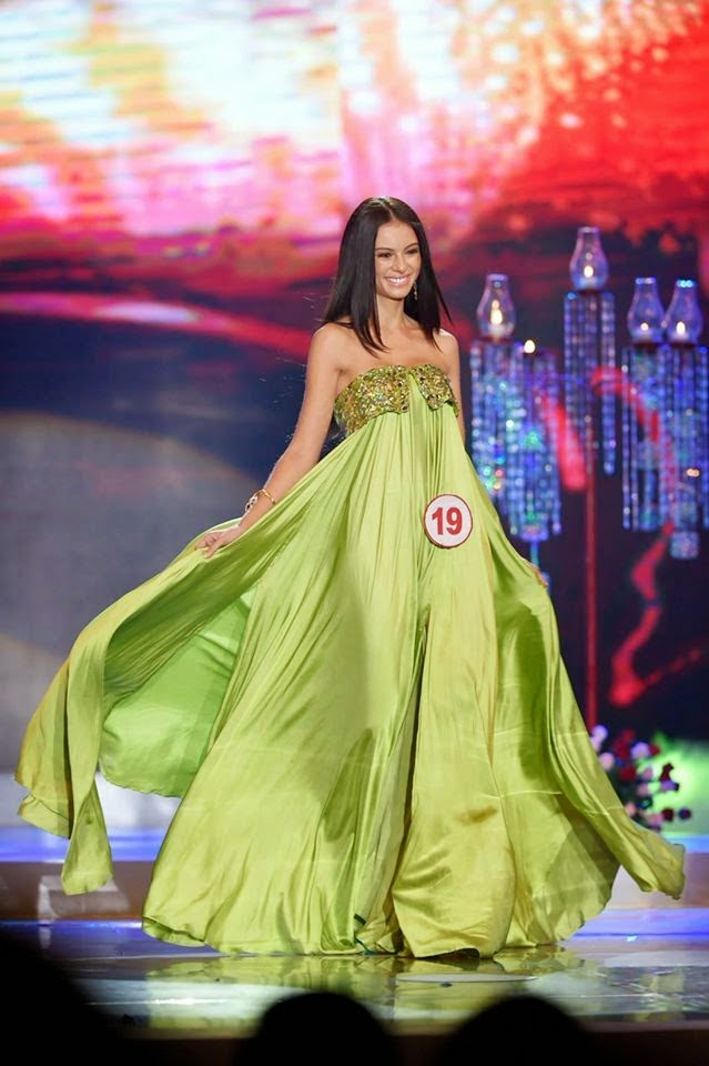 filipino celebrities black evening gowns with sleeves