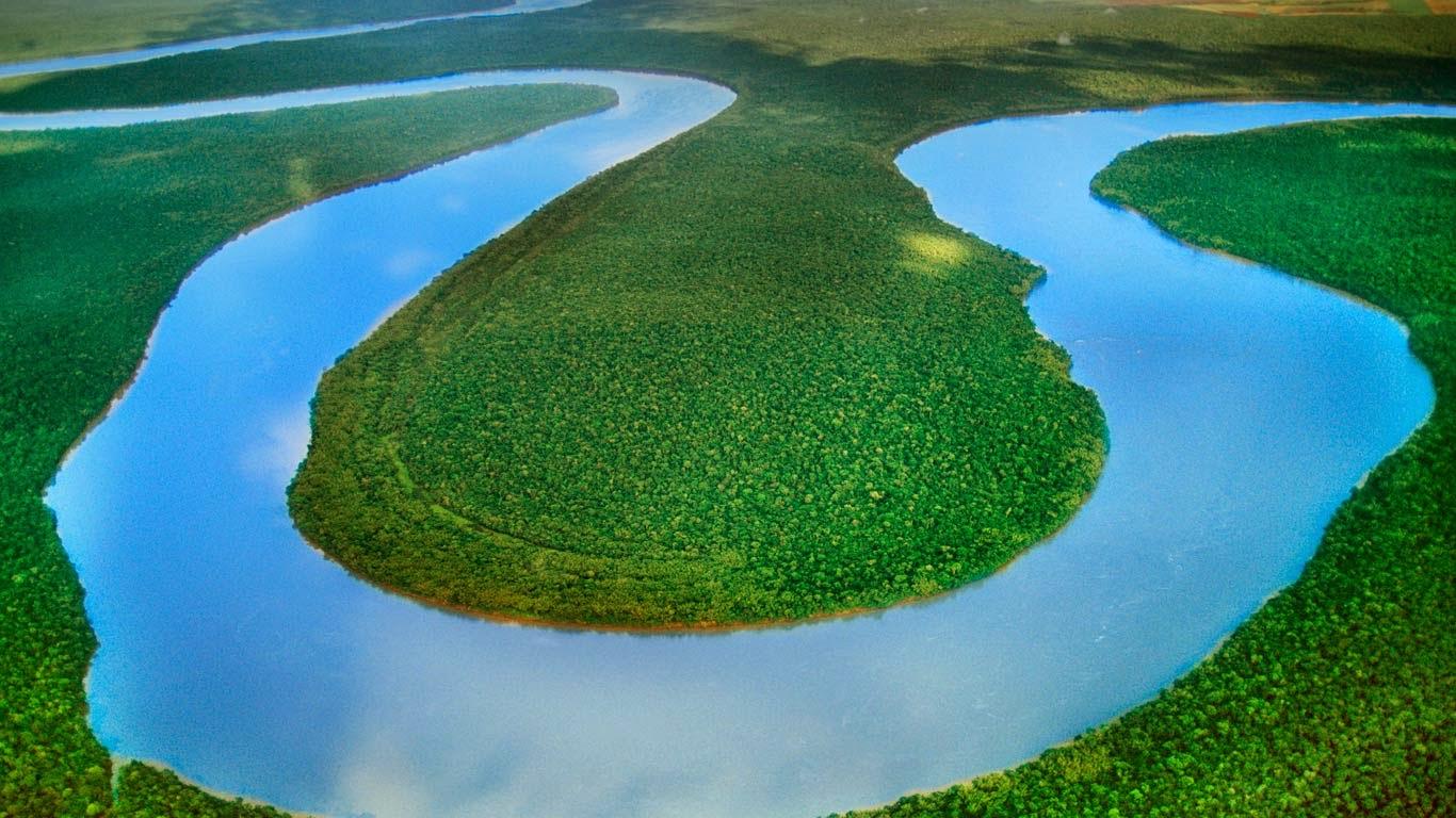 Iguazu River, Brazil (© Frans Lanting/Corbis) 233