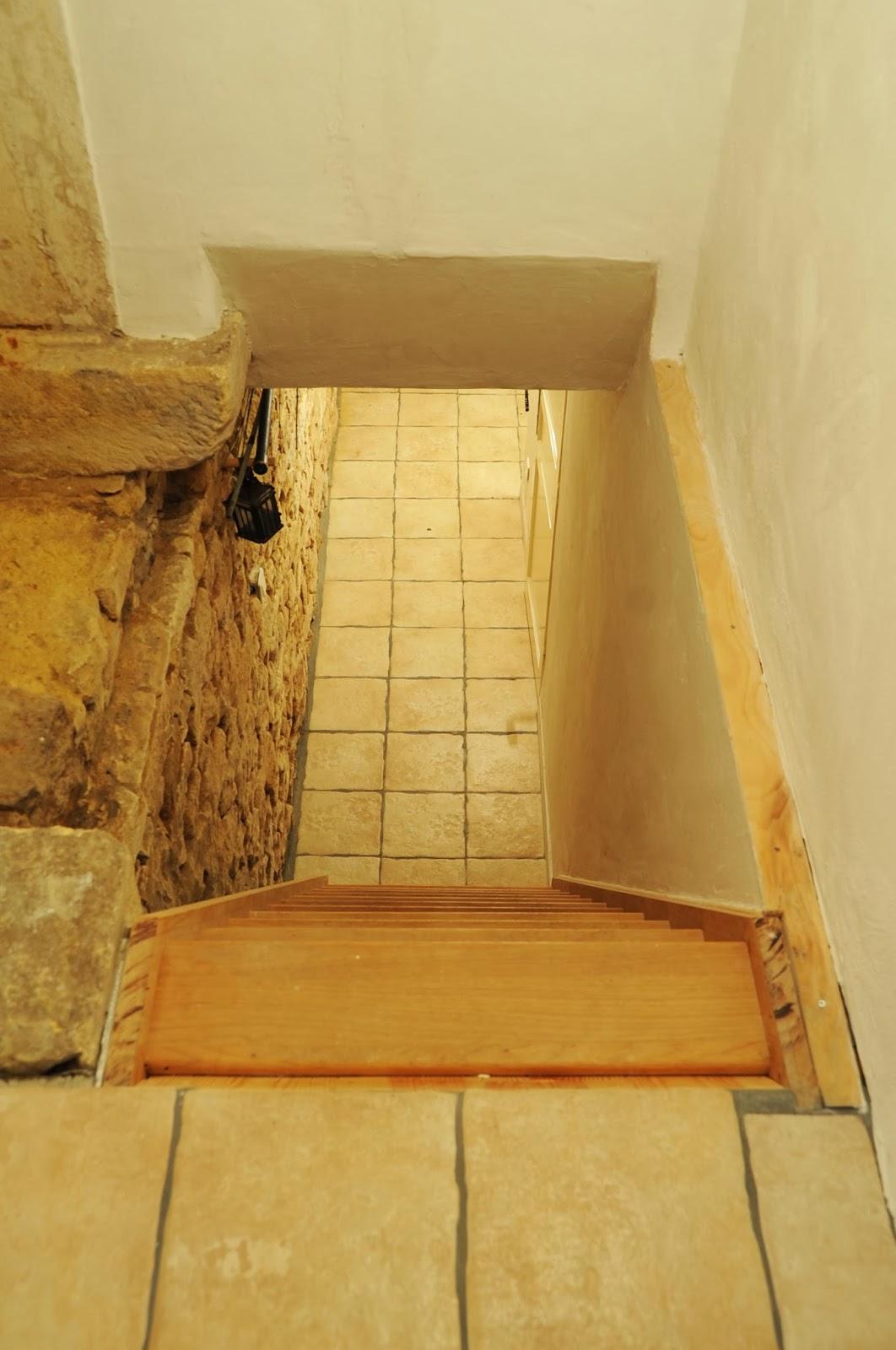 Saint pompon huis te koop 2 - Beneden trap ...
