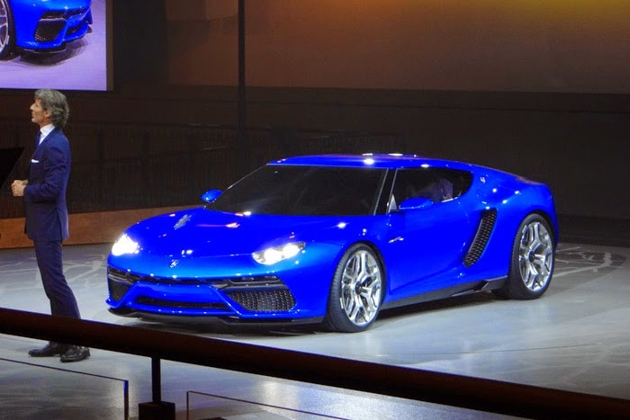 Lamborghini Asterion LPI 910-4 Photos