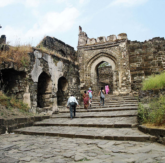 entrance steps to Daulatabad fort