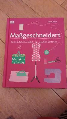 Naehbuch fuer Frauenmode mit Schnittmuster Gewinnspiel Elternblog Runzelfuesschen