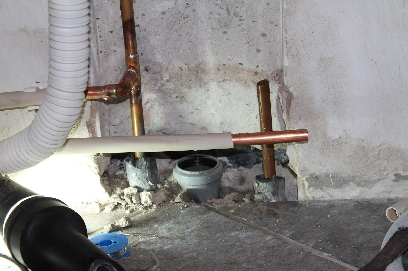 Bau projekte die k che zieht ins alte wohnzimmer for Kaltwasseranschluss kuche