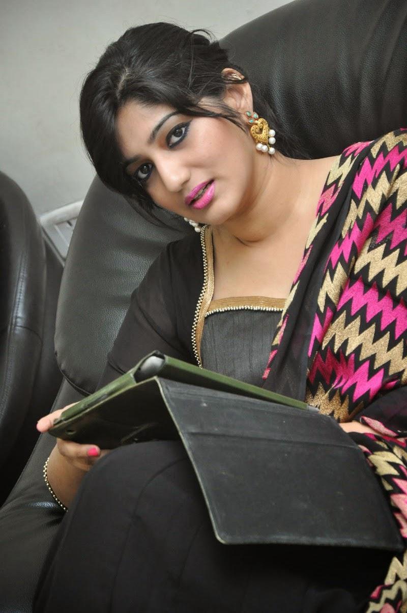 Tamil singer divya photos