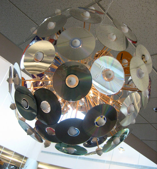 Поделка из дисков с пластилином