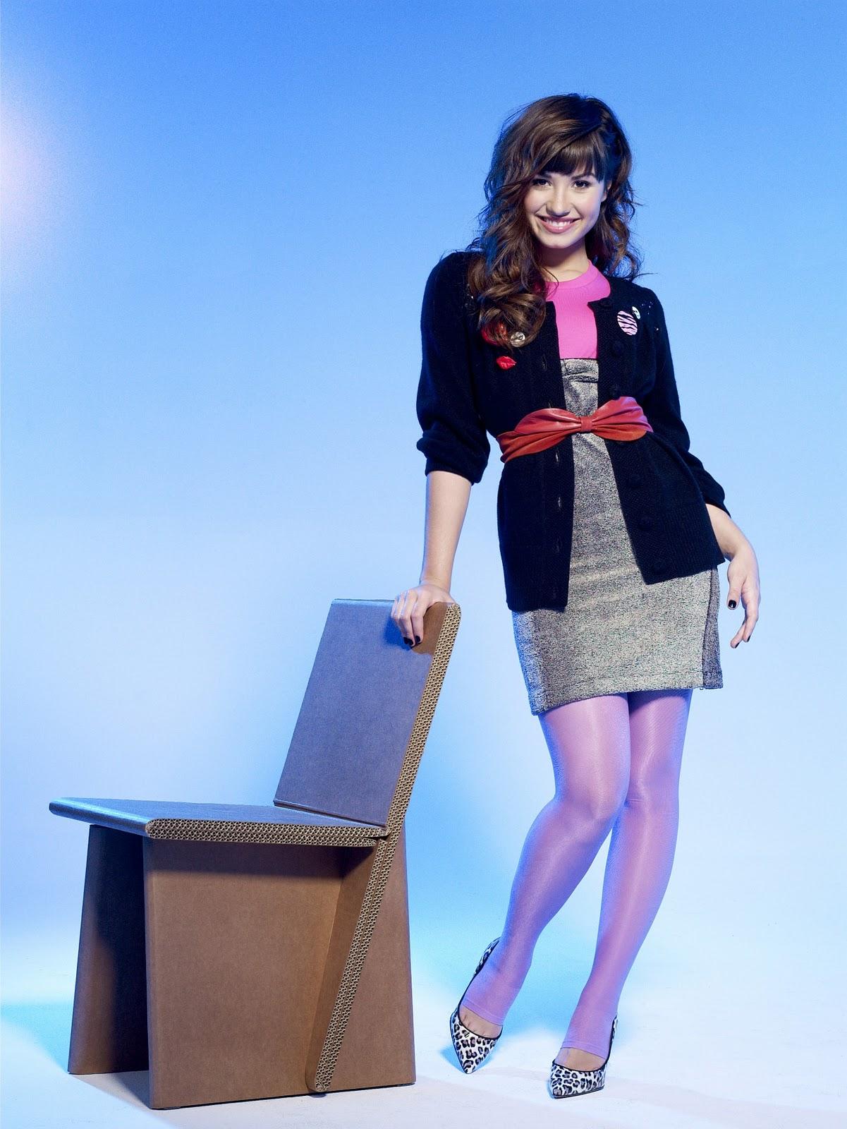 http://4.bp.blogspot.com/-gFfc0gr0Mwo/TpXMHR9boRI/AAAAAAAABZ4/tfm3Av6g4HQ/s1600/Demi_Lovato_Richa.jpg