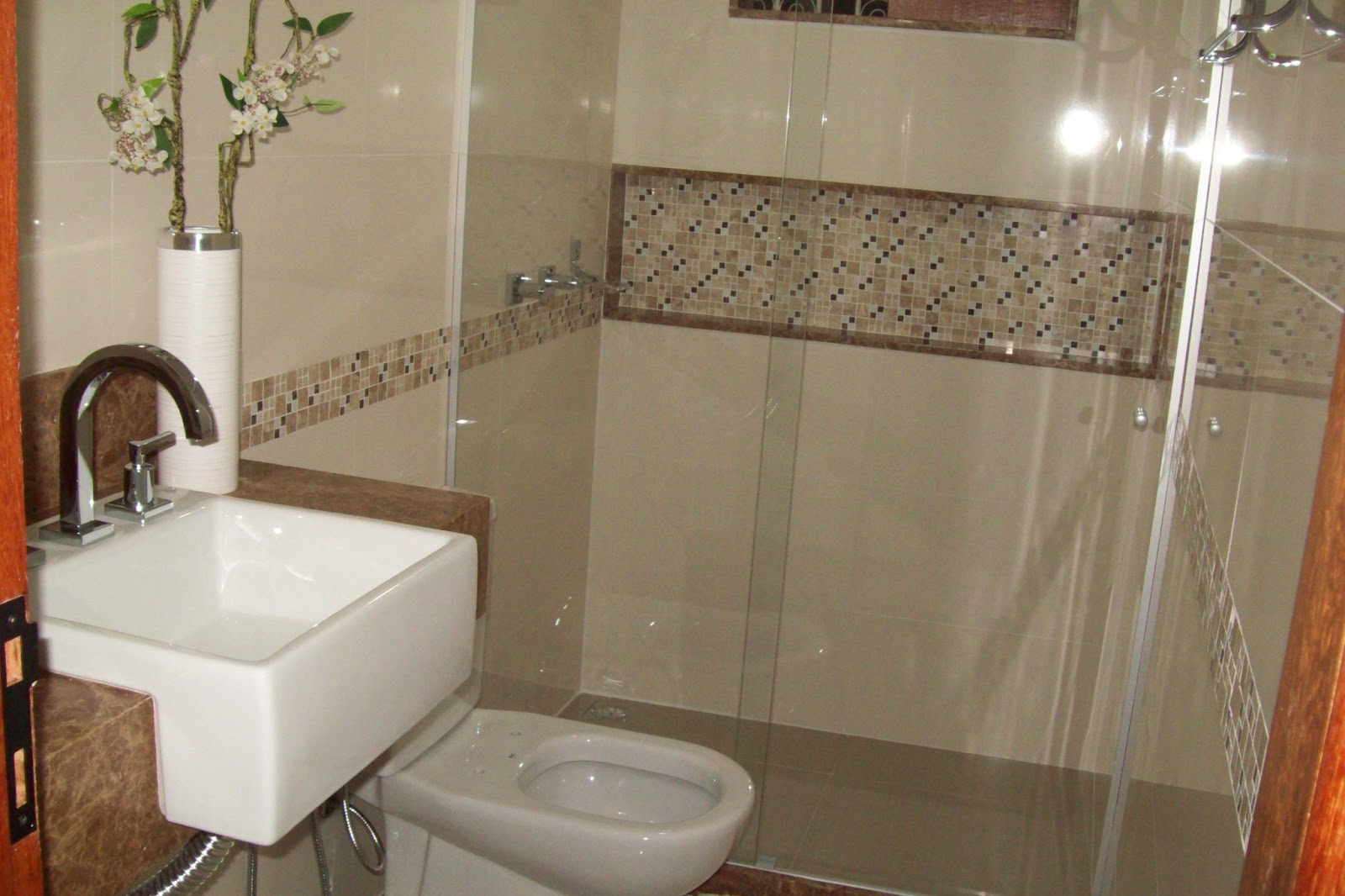 Construções Domingos: Banheiro com Nicho #AF471C 1600x1066 Acabamento De Banheiro Meber