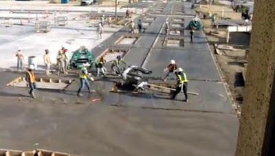 建設機械の暴走