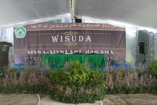 Background Wisuda dan Pelepasan Siswa-siswi SMP-SMA Darul Ulum Agung ...