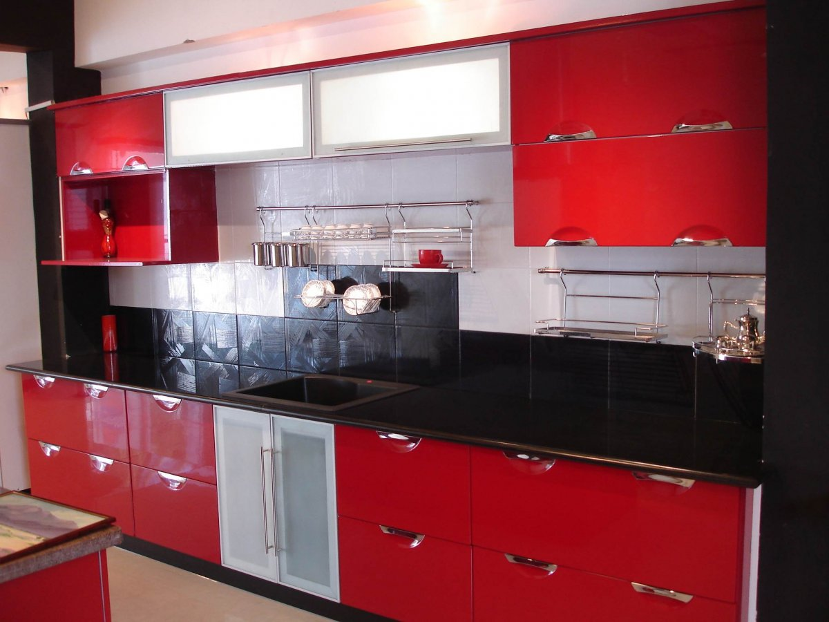 red kitchen decor ~ peeinn