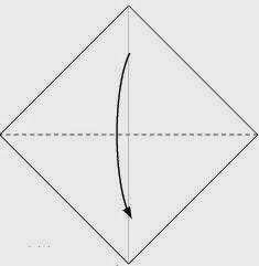 Bước 2: Gấp đôi tờ giấy lại theo chiều từ trên xuống dưới.