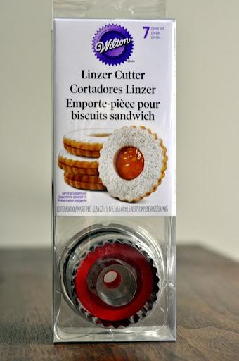 Wilton-Linzer-Cutter-tasteasyougo.com